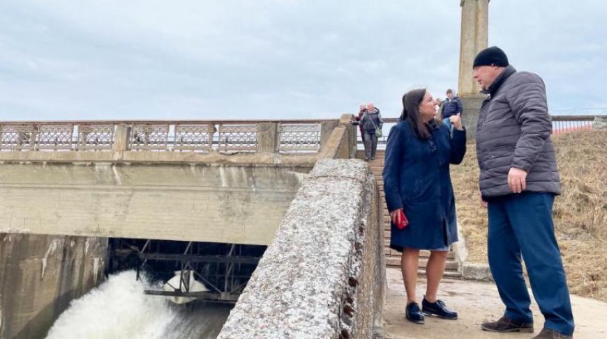 Депутат Марина Шевченко инспектировала Иваньковскую ГЭС на реке Волге в Дубне